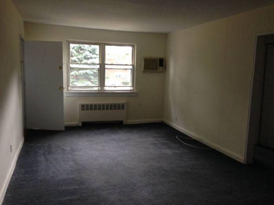 22423 Kingsbury Ave, Bayside, NY 11364