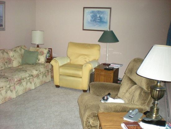 18246 Forest Ave, Spring Lake, MI 49456