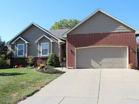 2825 N Edgemoor Cir, Wichita, KS 67220