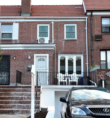 6784 Austin St, Forest Hills, NY 11375