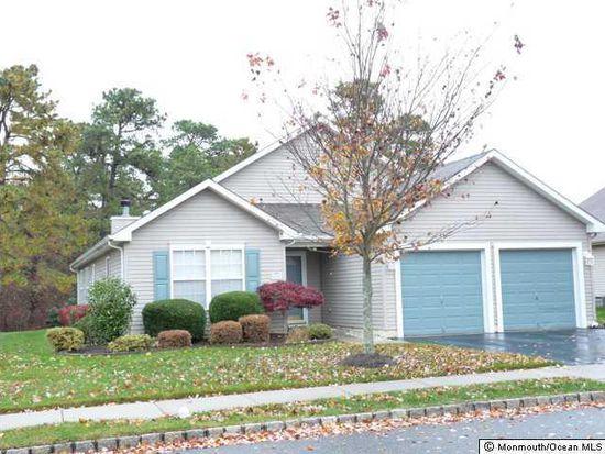 106 Clear Lake Rd, Whiting, NJ 08759