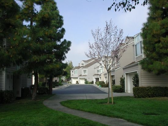 809 Columbia Cir, Redwood City, CA 94065