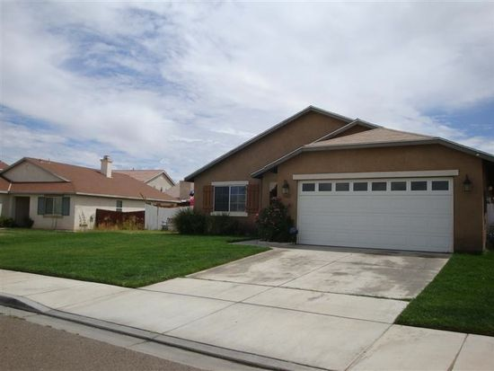 13621 Winewood Rd, Victorville, CA 92392