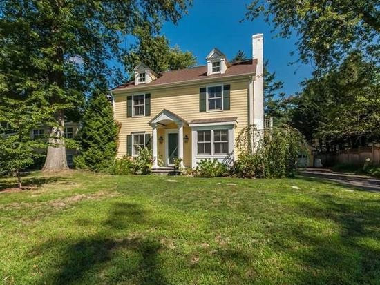 73 Summit Rd, Riverside, CT 06878