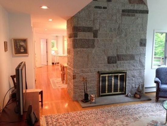 114 Gentry Way, Scituate, RI 02857