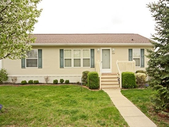 1025 Channel Dr, Cicero, IN 46034