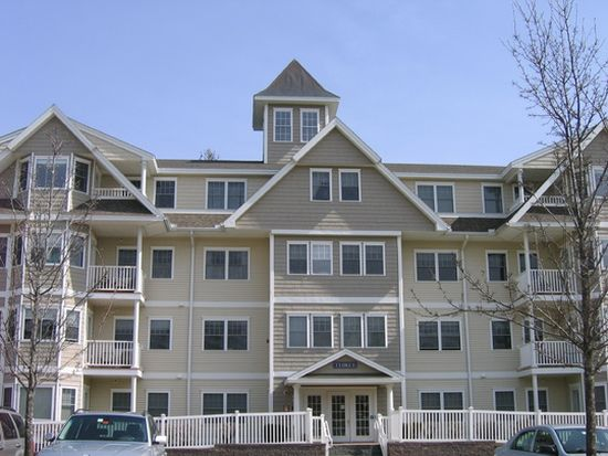 3 Sterling Hill Ln APT 345, Exeter, NH 03833
