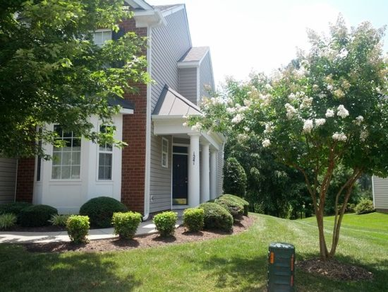 1241 Providence Knoll Dr, North Chesterfield, VA 23236