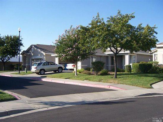 392 Bartlett Ln, Vacaville, CA 95687