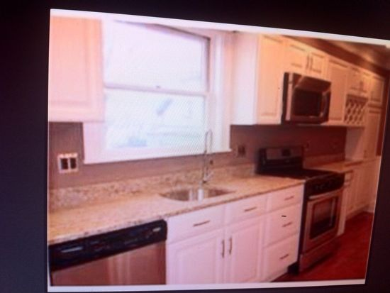 37 Moseley St, Dorchester, MA 02125