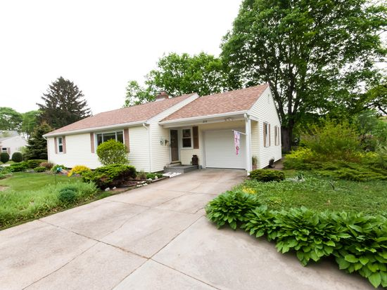 375 Davisville Rd, North Kingstown, RI 02852