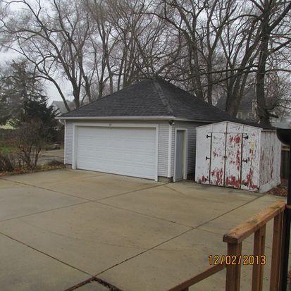 25 Elmwood Pl, Sandwich, IL 60548