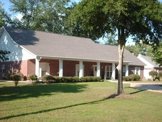 624 Shirley Subdivision, West Point, MS 39773