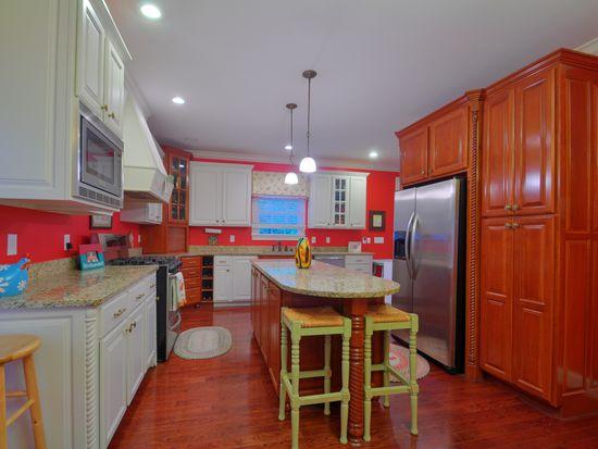 361 Cochran Rd, Lexington, KY 40502