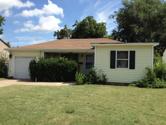 317 Russell Dr, Midwest City, OK 73110