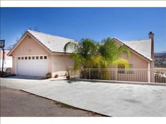 12870 Castle Court Dr, Lakeside, CA 92040