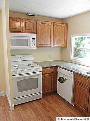 21 Village Rd, Morganville, NJ 07751