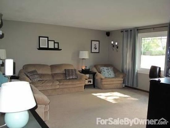 3916 Colonial Dr, Anderson, IN 46012