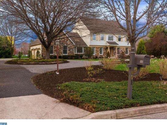 601 S Saratoga Dr, Moorestown, NJ 08057
