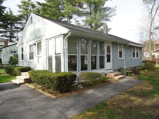 14 Mohawk Rd, Burlington, MA 01803
