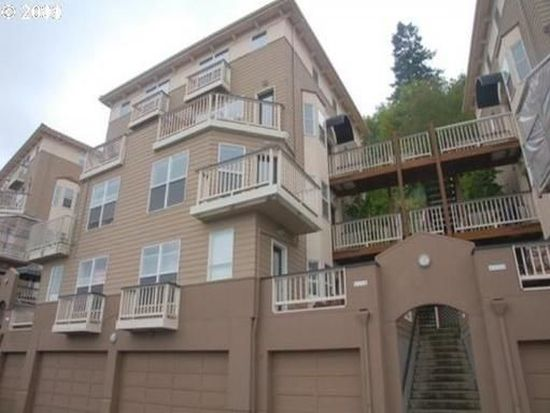 325 NW Uptown Ter APT 1B, Portland, OR 97210
