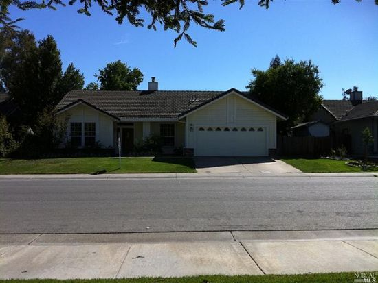 625 Fountain Way, Dixon, CA 95620