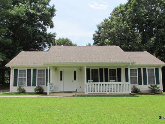 106 Waywood Hills Dr, Vinton, VA 24179