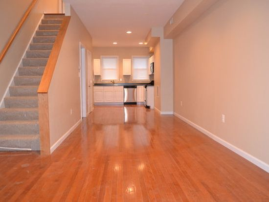 1110 S Carey St, Baltimore, MD 21223