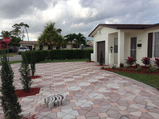 19305 SW 117th Ct, Miami, FL 33177