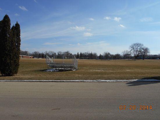 1010 Illinois St, Saint Charles, IL 60174