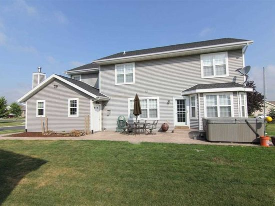 400 Coyle Pkwy, Cottage Grove, WI 53527