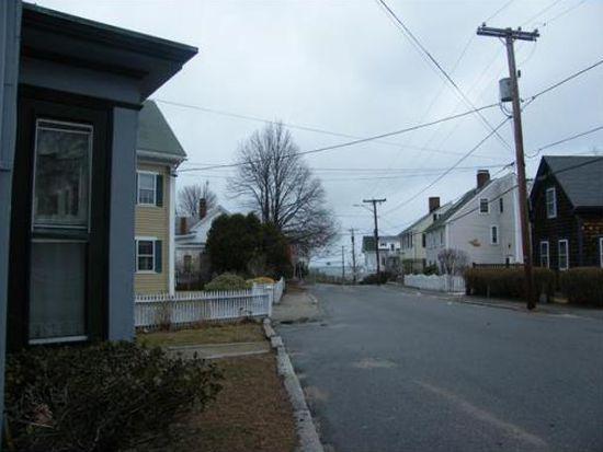 14 King St APT 2A, Rockport, MA 01966