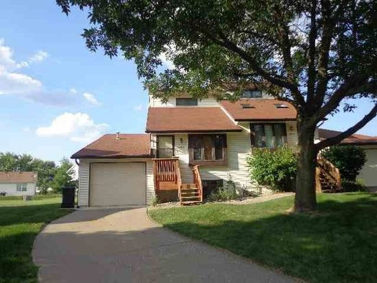 4206 Laurel Ct, Davenport, IA 52804
