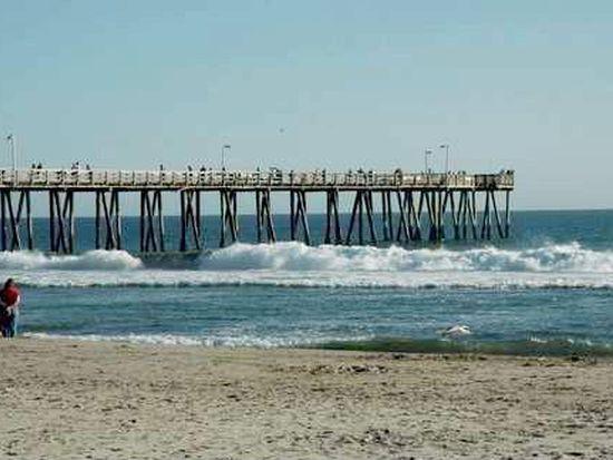 353 E Surfside Dr, Port Hueneme, CA 93041