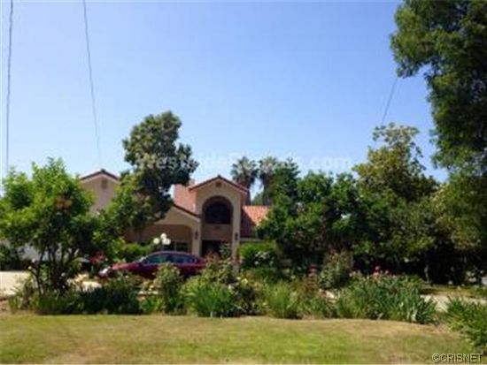 23060 Collins St, Woodland Hills, CA 91367