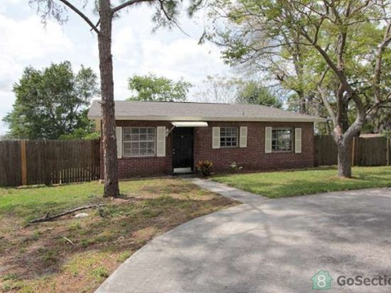 10716 N Connechusett Rd, Tampa, FL 33617