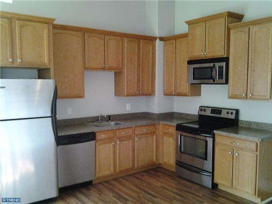 841 W Gillam Ave APT 4, Langhorne, PA 19047