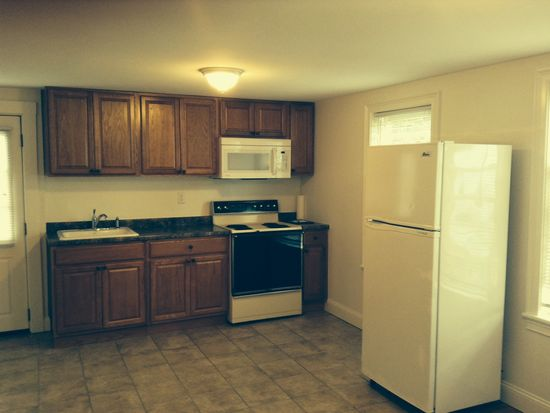 214 West St APT 3, Leominster, MA 01453