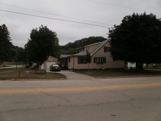 805 E Amelia St, Cassville, WI 53806
