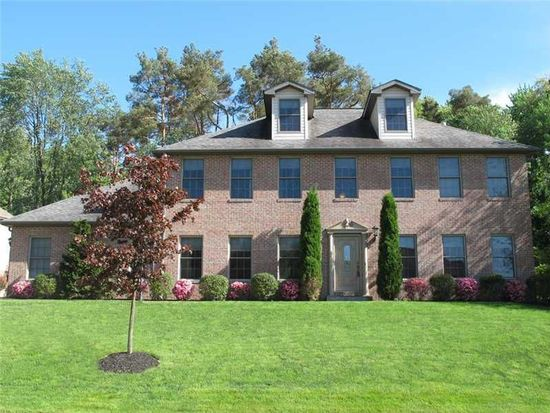 319 Ivy Dr, Gibsonia, PA 15044