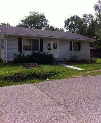 602 S 7th St, Boonville, IN 47601