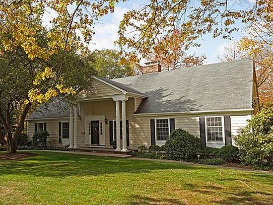 388 Lakeview Dr, Wyckoff, NJ 07481