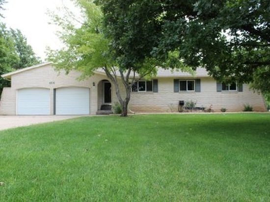 1214 Countryside Dr, Mcpherson, KS 67460