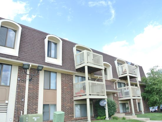 426 Gregory Ave APT 1D, Glendale Heights, IL 60139