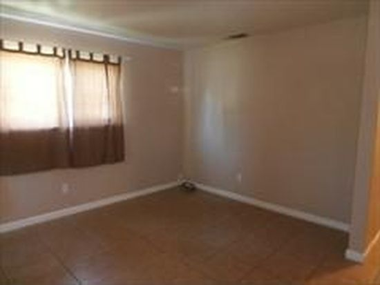 2730 N San Joaquin St, Stockton, CA 95204