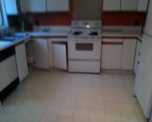 19 Cove Rd, East Kingston, NH 03827