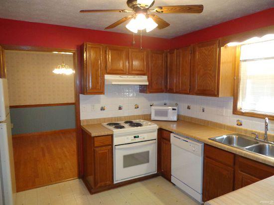 2016 Ridgefield Rd, Johnson City, TN 37601