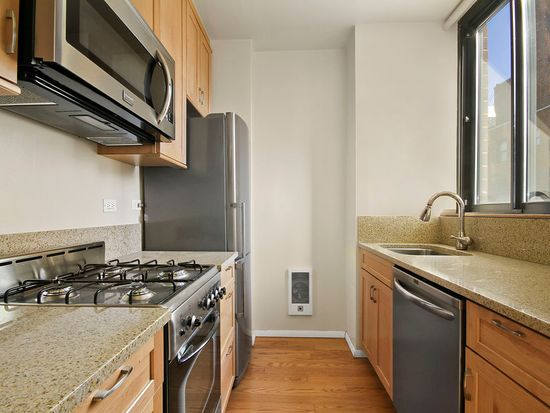 304 E 65th St APT 9C, New York, NY 10021