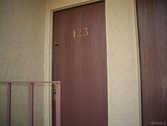2266 Denair Ave APT 123, Highland, CA 92346
