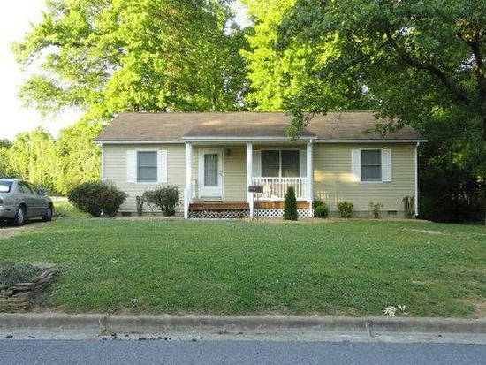 415 Windsor St, South Hill, VA 23970